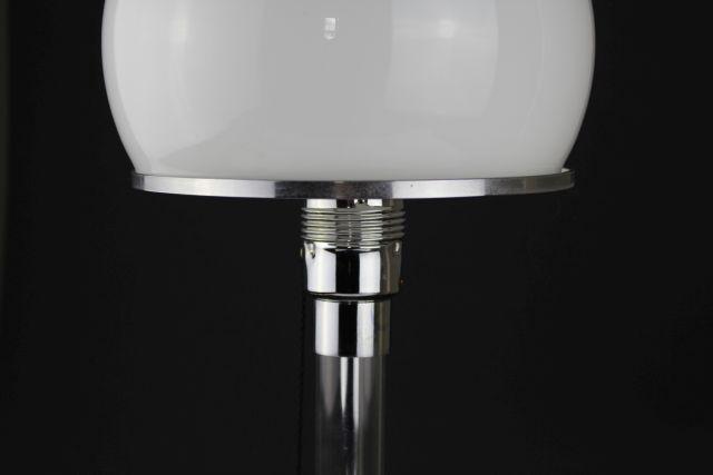 wagenfeld lampe wg 24 fabulous wilhelm wagenfeld wg bauhaus lamp with wagenfeld lampe wg 24. Black Bedroom Furniture Sets. Home Design Ideas