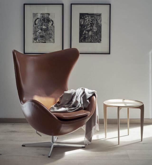 Egg Chair braun mit Hebel zur Verstellung der Sitzposition