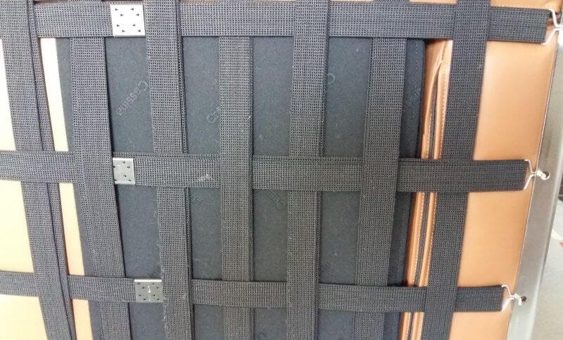 Unterseite vom Le Corbusier Sessel